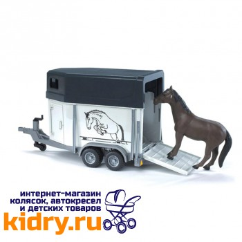 Прицеп-коневозка с лошадью
