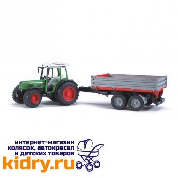 Трактор Fendt 209 S с прицепом